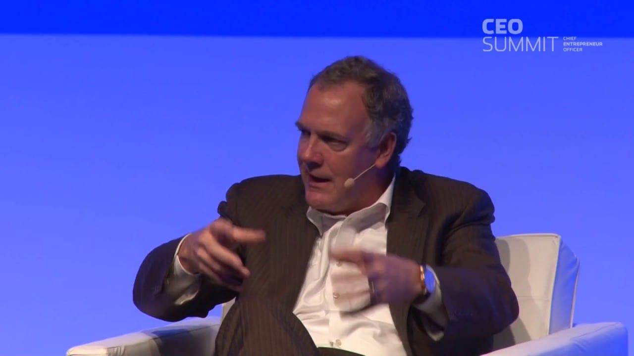 A resposta da inteligência artificial aos desafios humanos – Mike Rhodin, IBM