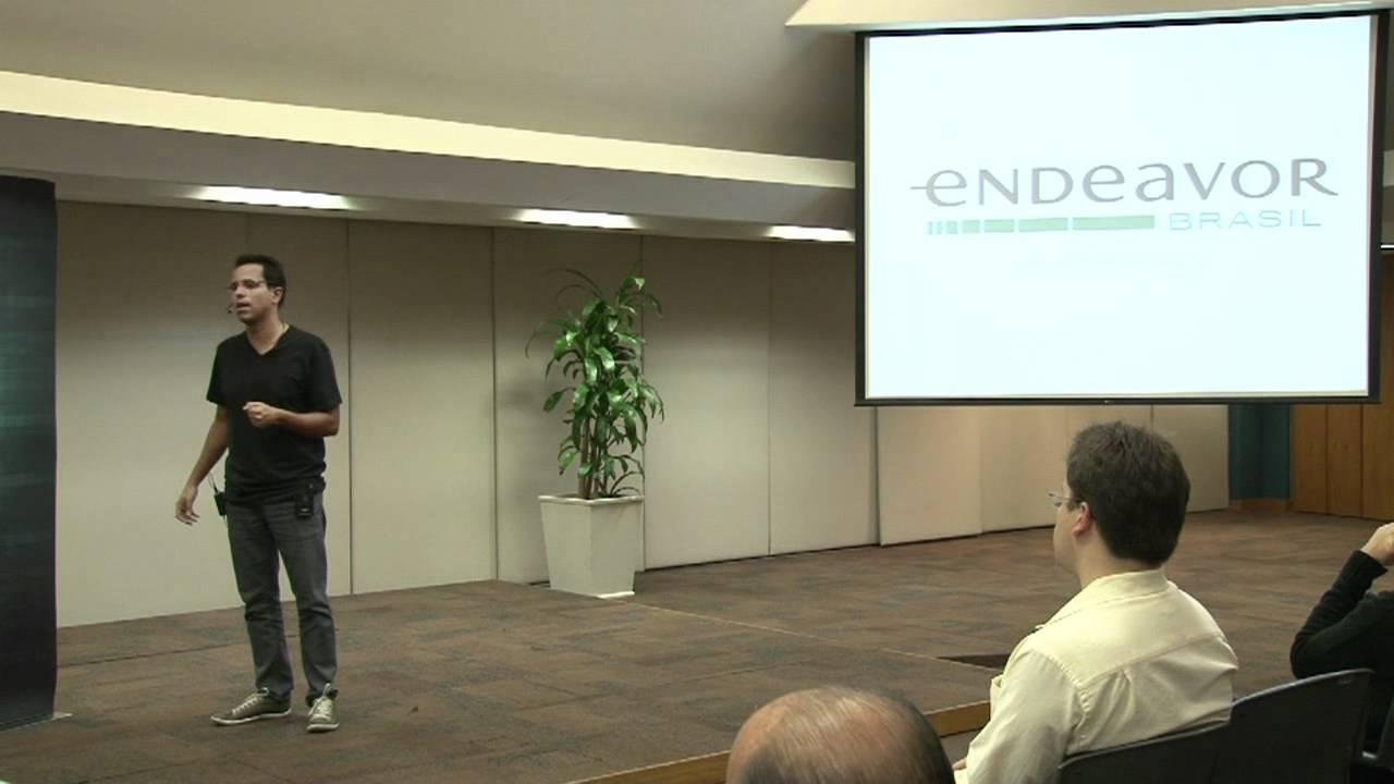Como encontrar clientes sem um produto pronto – Endeavor Brasil