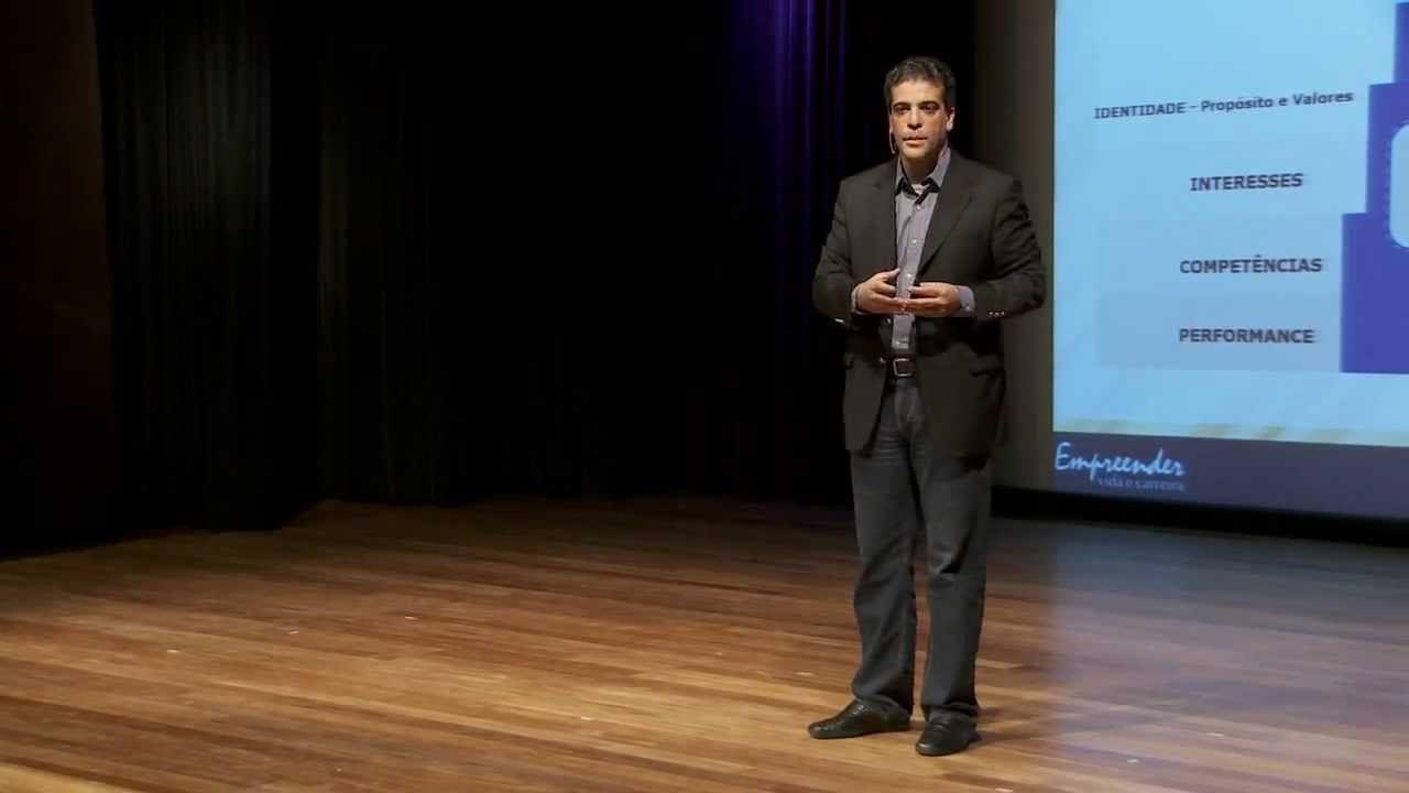 e-Talks | Como engajar jovens talentos – Rogério Chér