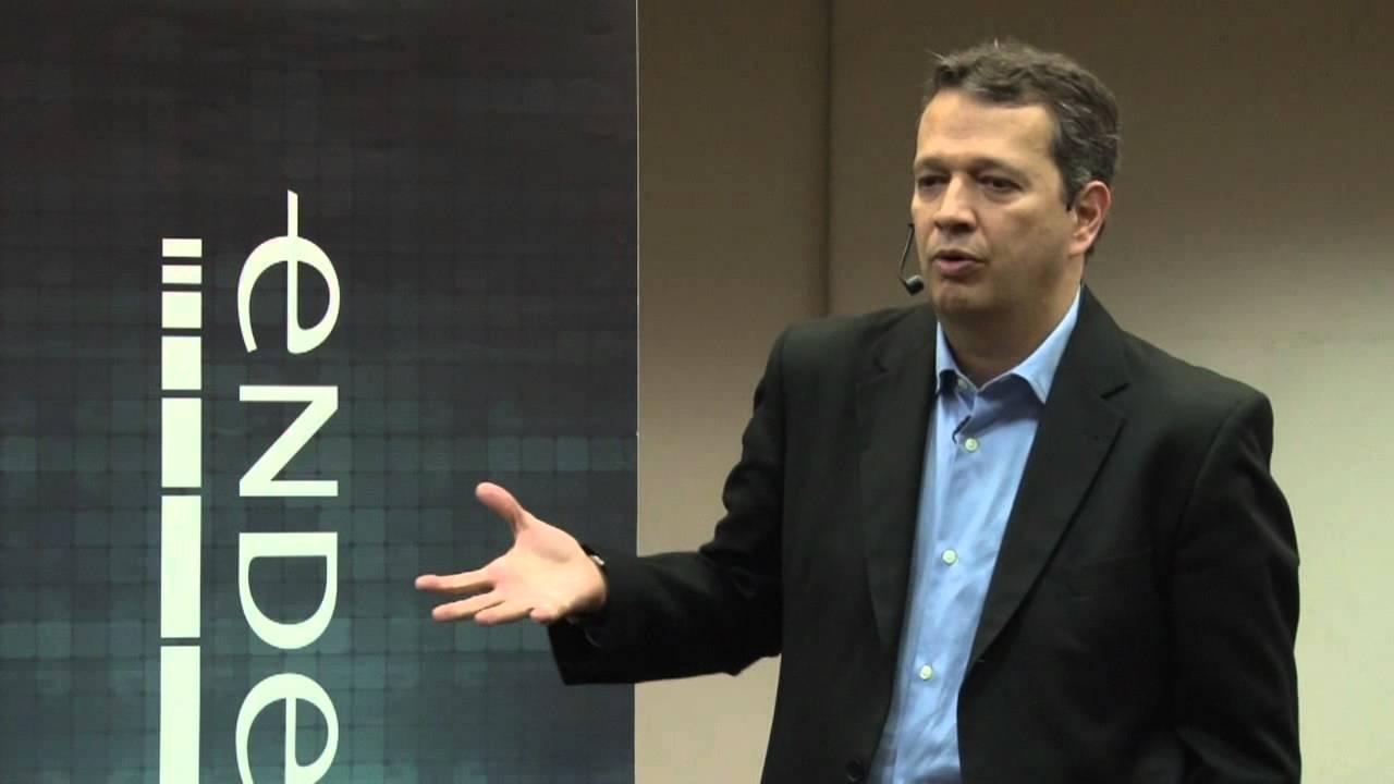 e-Talks | Desenvolvendo a Liderança em Empresas: A substituição