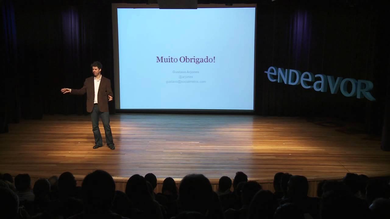 e-Talks | Empresa Deve ter Perfil em Redes Sociais? – Gustavo Arjones [SocialMetrix]